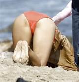 Halle Berry looking cute in bikini on beach and flashing pussy upskirt ...