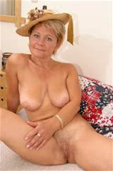 Posted at 12:27 pm Tagged with: Blonde , Mature , Pussy
