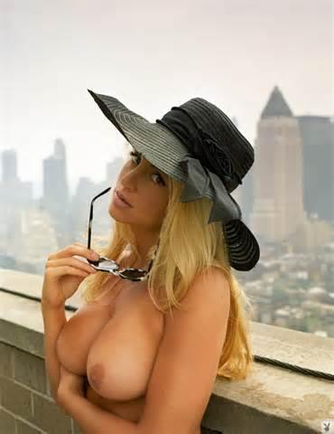 Camille Grammer W Playboy U