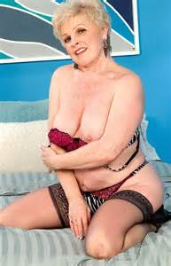 Jewel Mrs Jewel Champagne Pack 44 Mature Granny