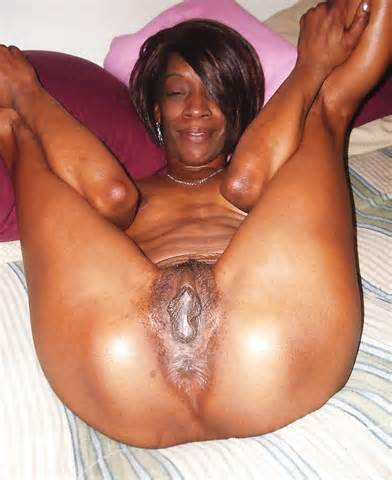 Naked Ebony Milf Spread Her Legs Black Porn And Naked Ebony Women