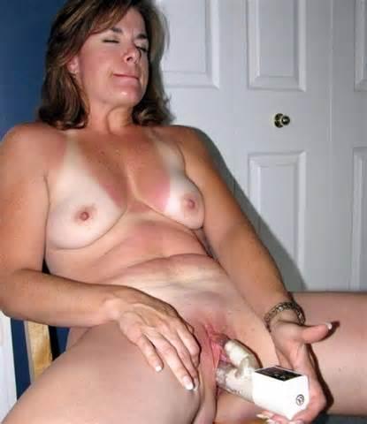 ball sucking milf pics