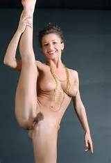 Sexy cutie with hairy pussy in splendid naked gymnastics