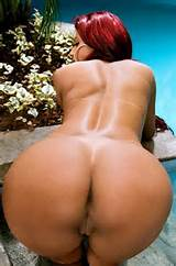 10inchdick:RED HEAD WITH A PHAT ASS & PUSSY