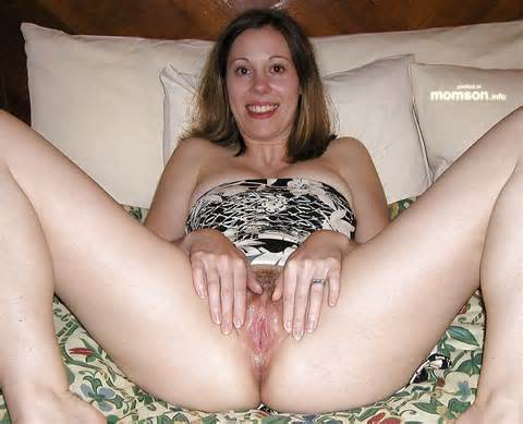 Amateur Naked Mom Pics Drunk Mom Spreading Her Wet Hairy Vagina